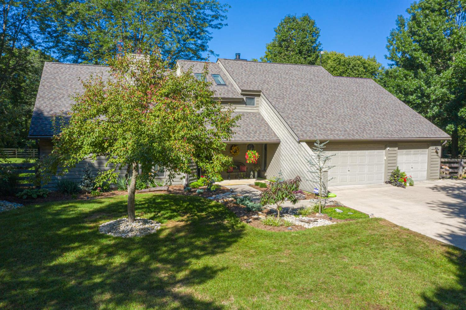 105 Honey Locust Ln Chester Twp, OH
