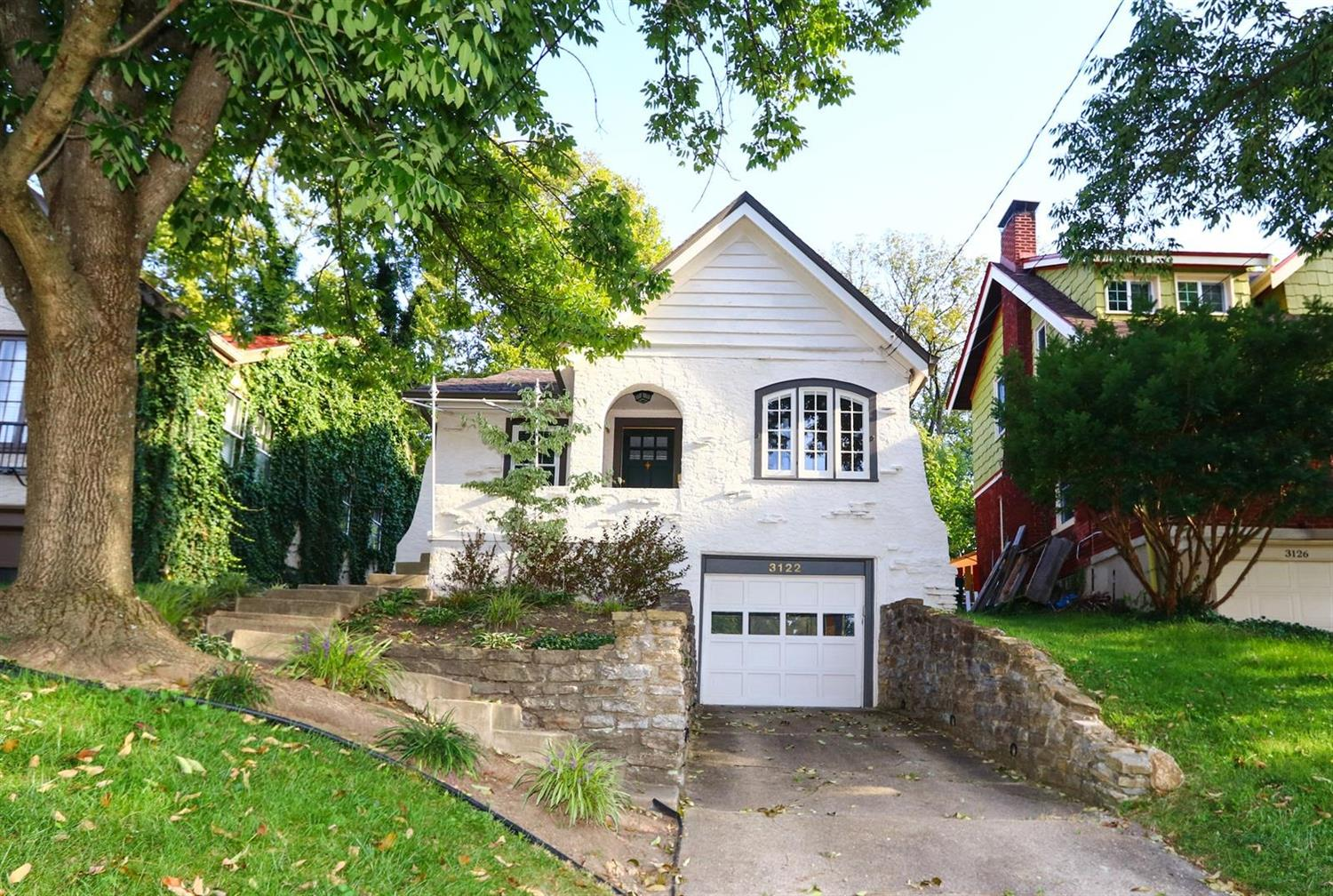 3122 Kinmont St, Mt  Lookout, OH 45208 Listing Details: MLS