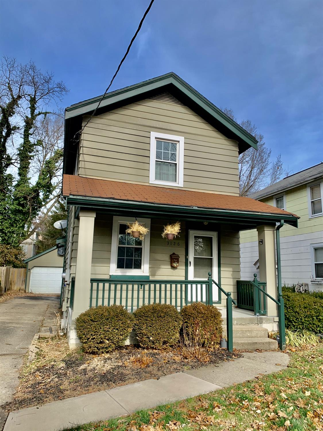 Photo 2 for 3126 Mapleleaf Ave Pleasant Ridge, OH 45213