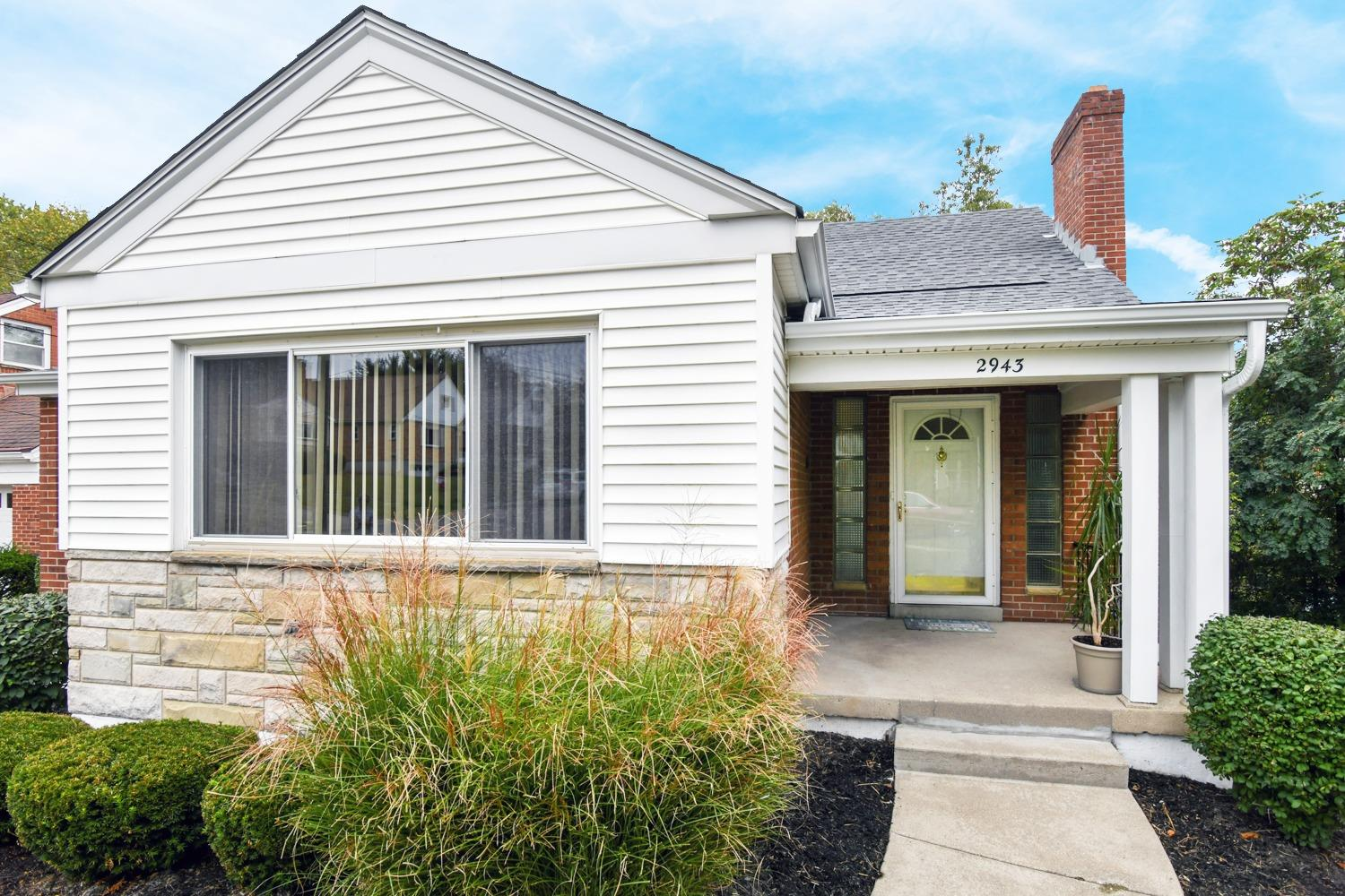 Photo 3 for 2943 Lawndale Ave Pleasant Ridge, OH 45212