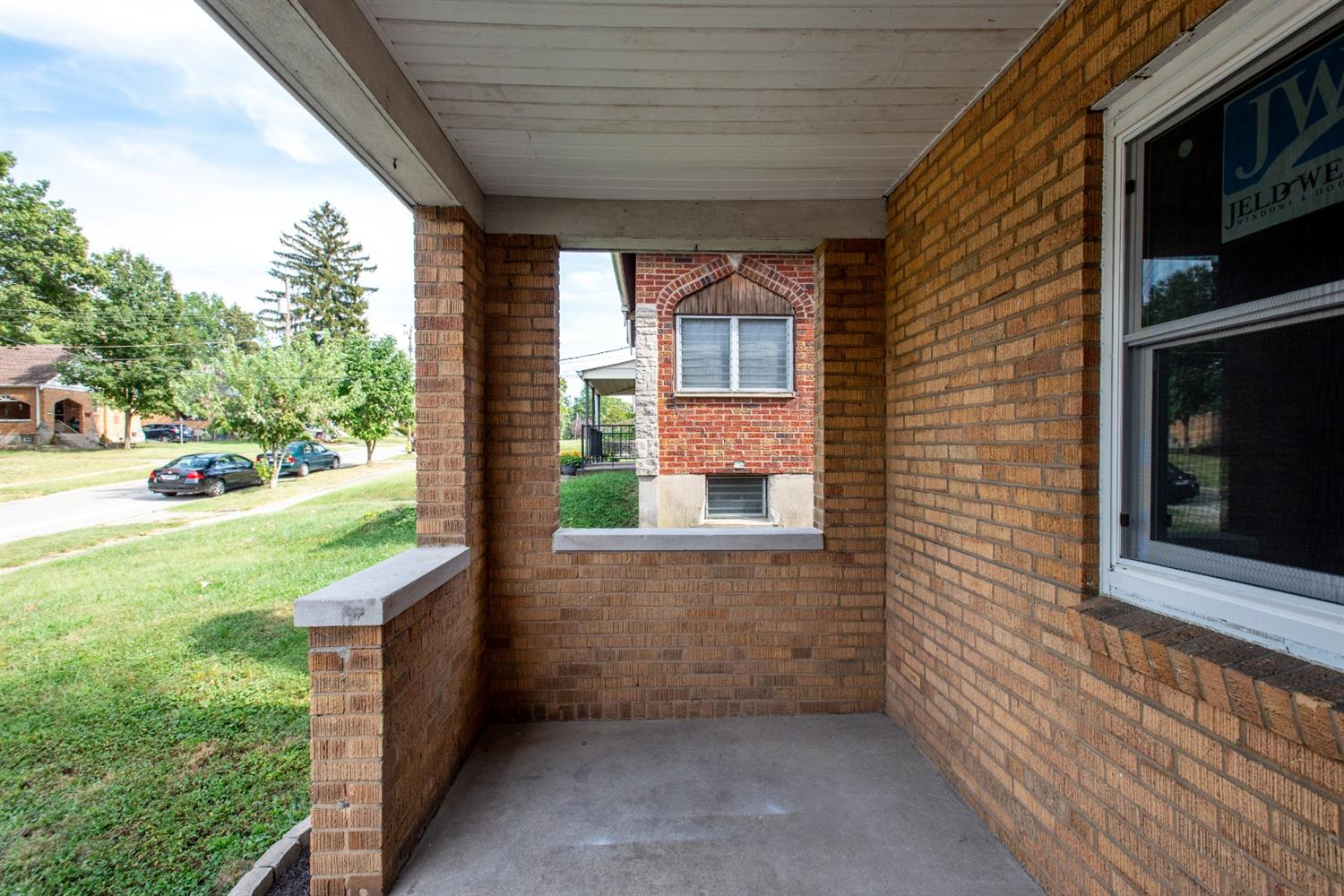 Photo 3 for 5065 Western Hills Ave Covedale, OH 45238