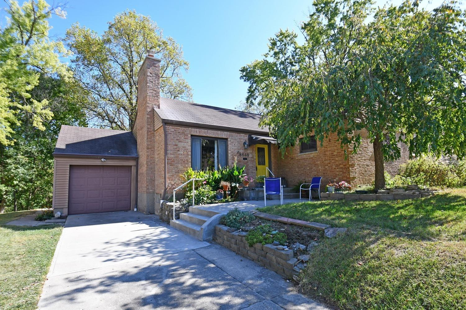 8648 Melody Ln Finneytown, OH