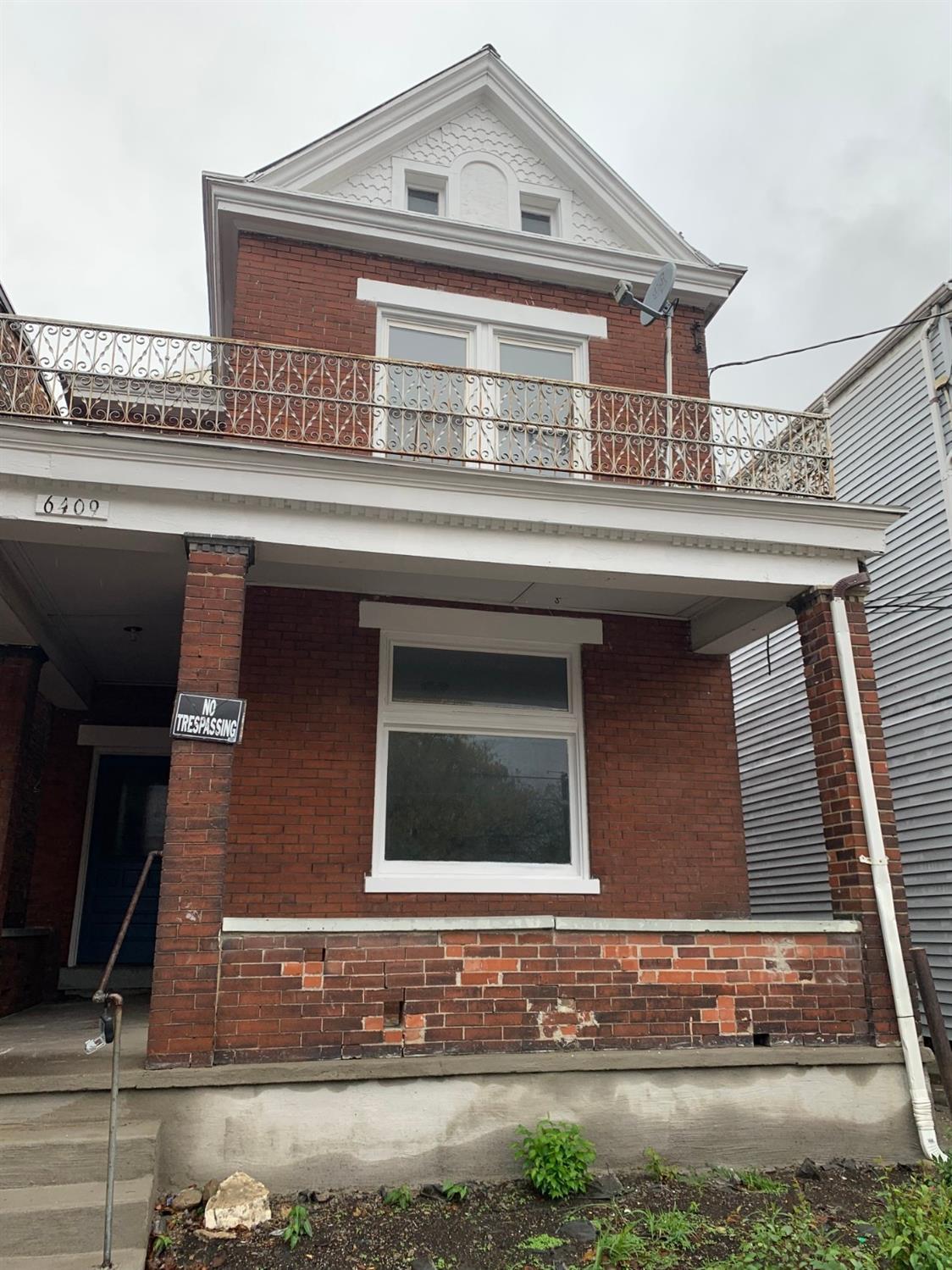 6409 Vine St Elmwood Place, OH