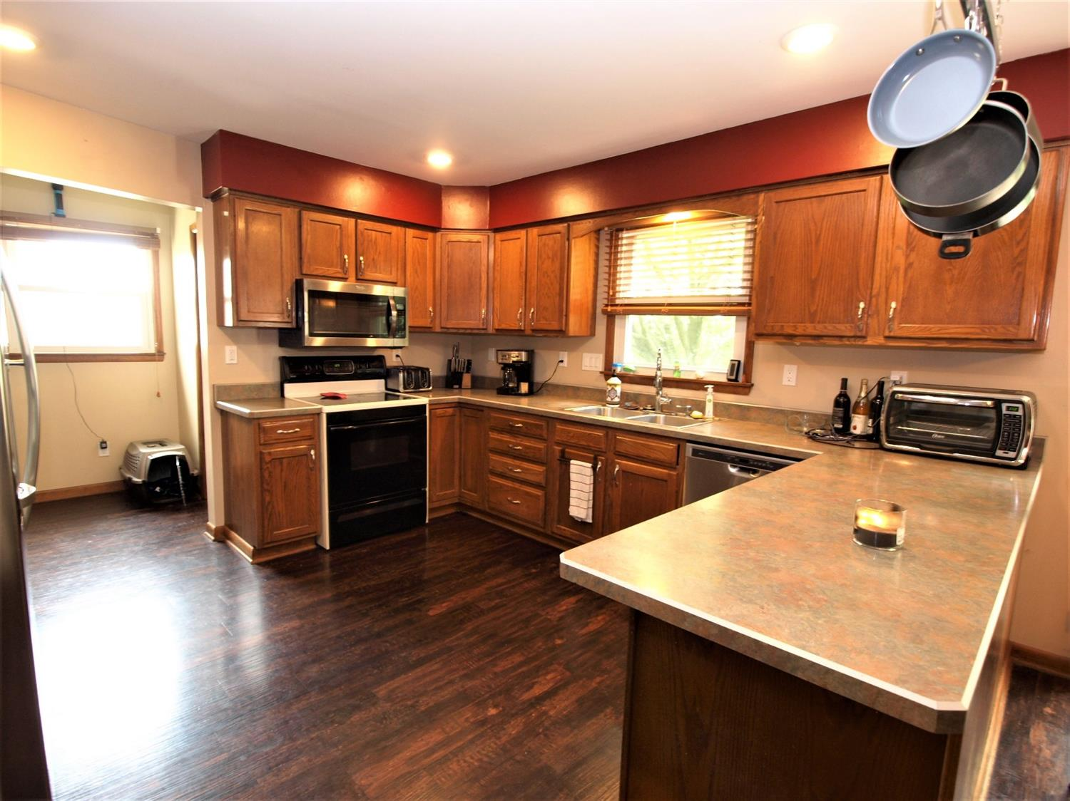 Photo 3 for 3341 Markdale Ct Bridgetown, OH 45248