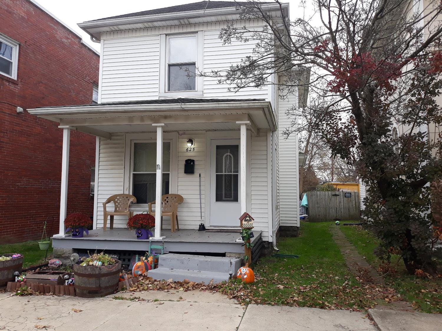 Photo 2 for 625 E Temple St Fayette County , OH 43160