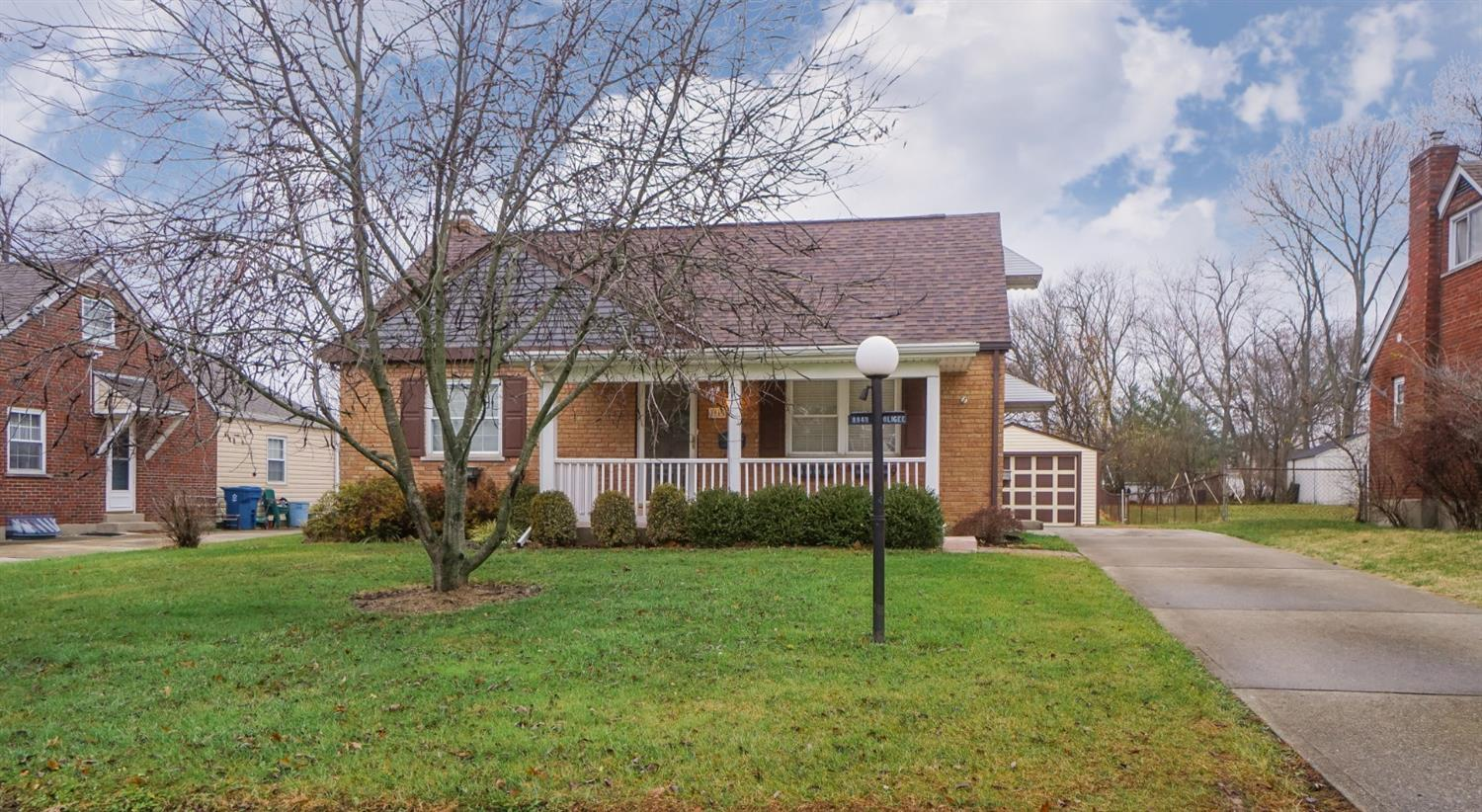 8949 Applewood Dr Dillonvale, OH
