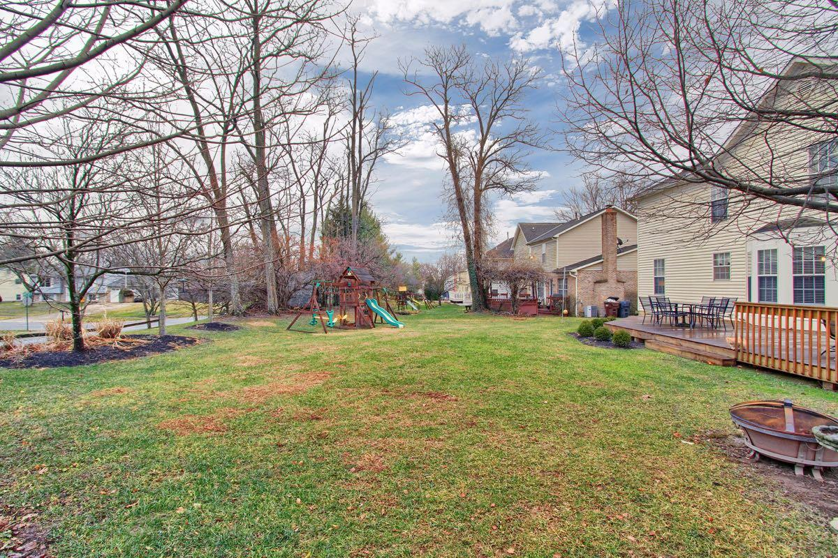 Photo 2 for 10076 Fox Chase Dr Loveland, OH 45140