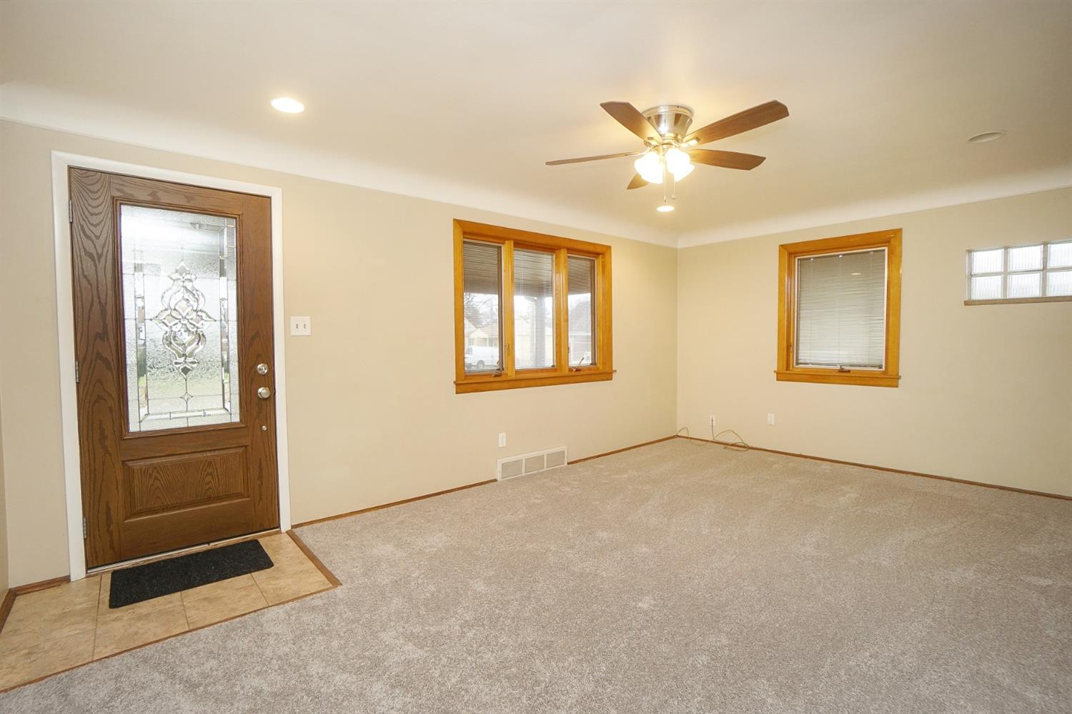 Photo 3 for 8301 Coghill Ln Groesbeck, OH 45239