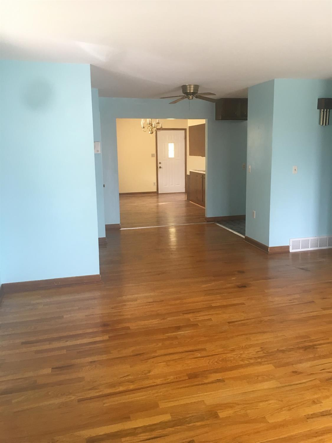 Photo 3 for 7207 Memory Ln Groesbeck, OH 45239