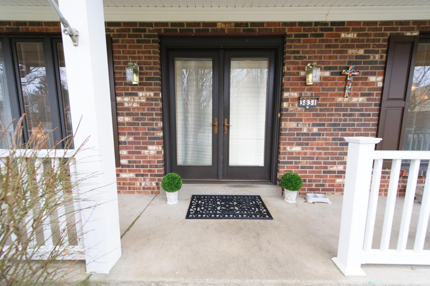 Photo 3 for 3831 Appletree Ct White Oak, OH 45247