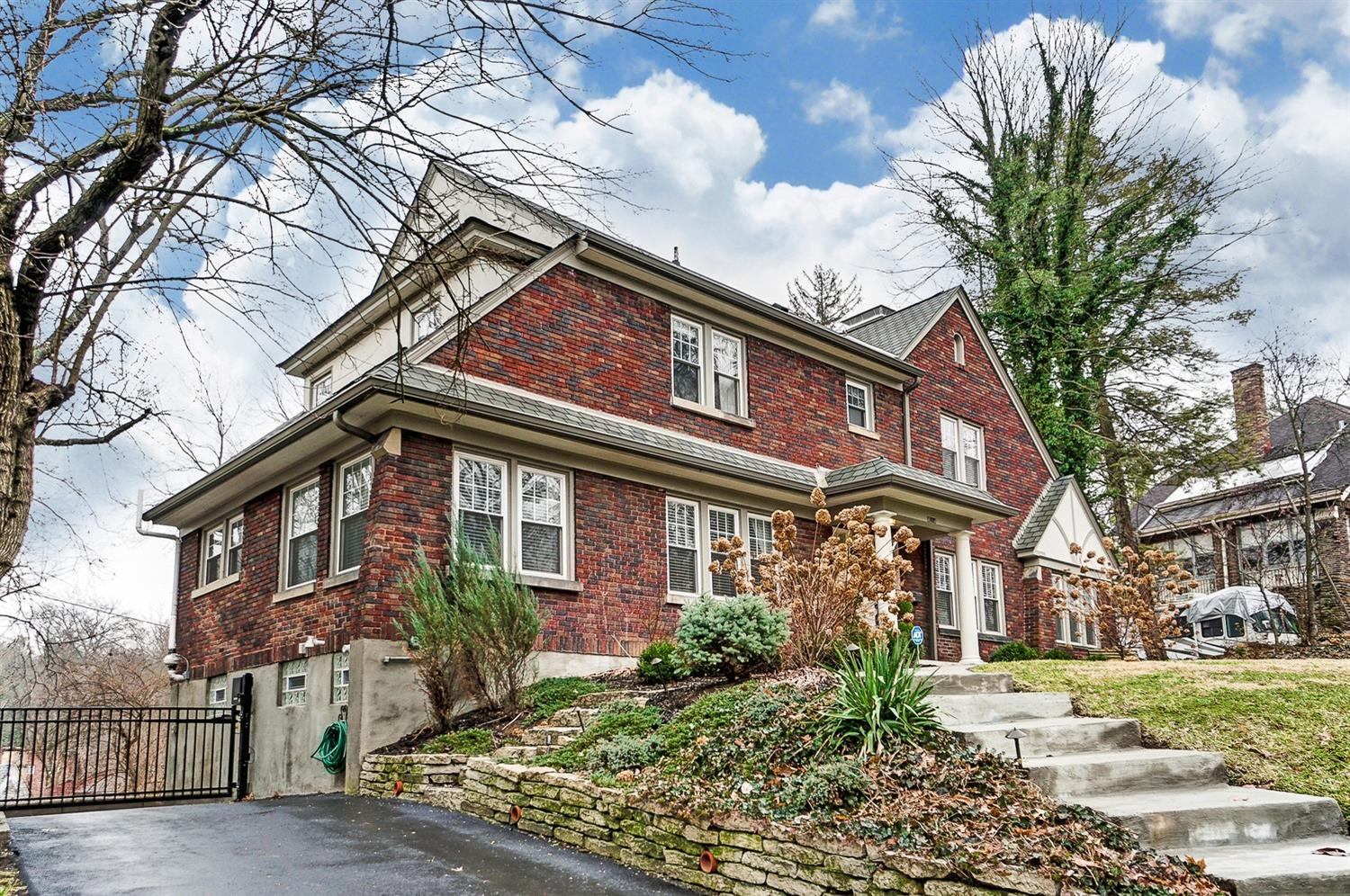 Photo 2 for 4014 Red Bud Ave Avondale, OH 45229