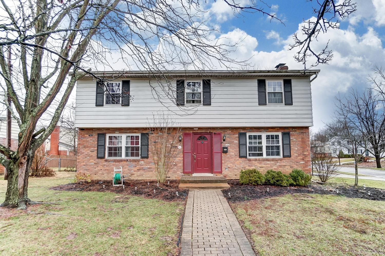 Photo 2 for 5 Junefield Ave Greenhills, OH 45218