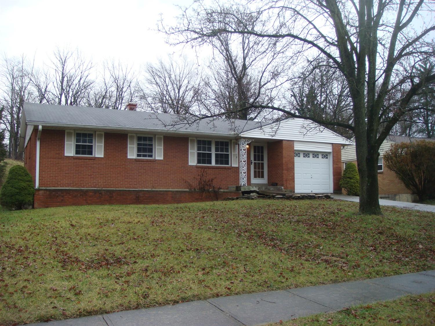 Photo 3 for 9140 Tag Dr Springfield Twp., OH 45231