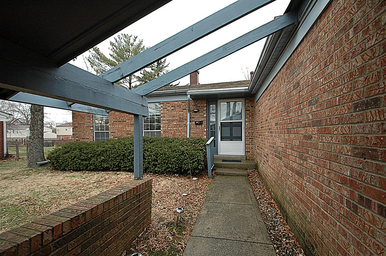 Photo 3 for 4420 Hunt Rd Blue Ash, OH 45242
