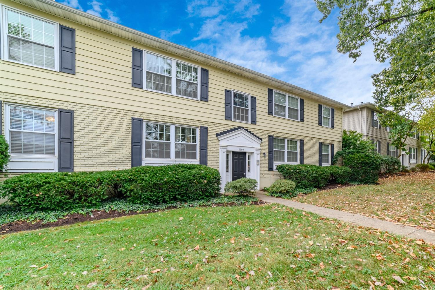 Photo 2 for 3707 Erie Ave #B Hyde Park, OH 45208