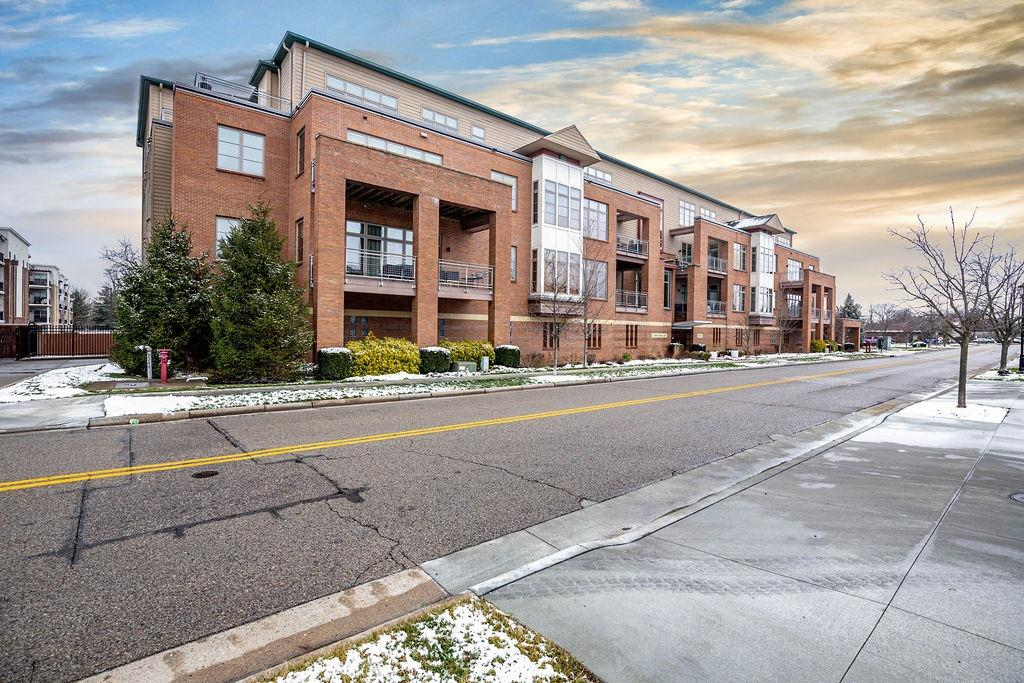9348 Towne Square Ave #15