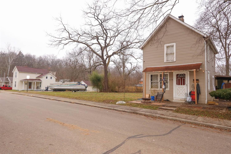 Photo 2 for 618 Center St Loveland, OH 45140
