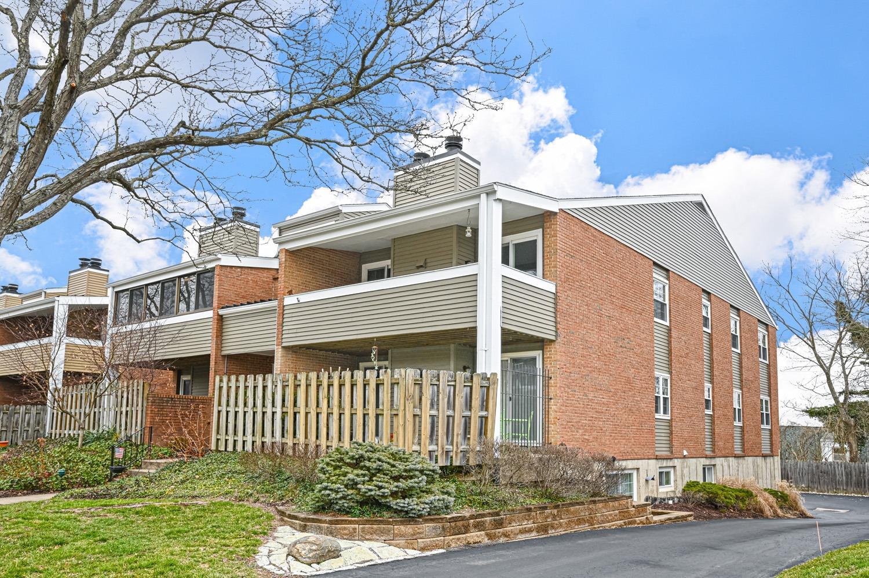 Photo 2 for 3433 Traskwood Cir, D Hyde Park, OH 45208