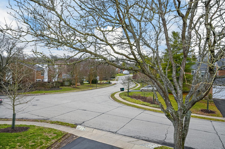 Photo 3 for 3433 Traskwood Cir, D Hyde Park, OH 45208