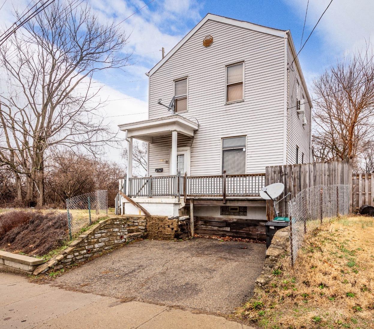 110 E Galbraith Rd Hartwell, OH