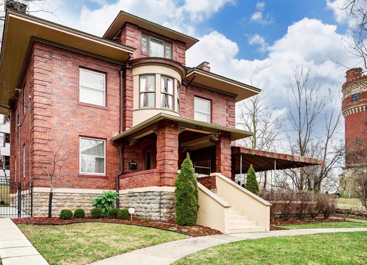 2100 St James Ave Walnut Hills, OH