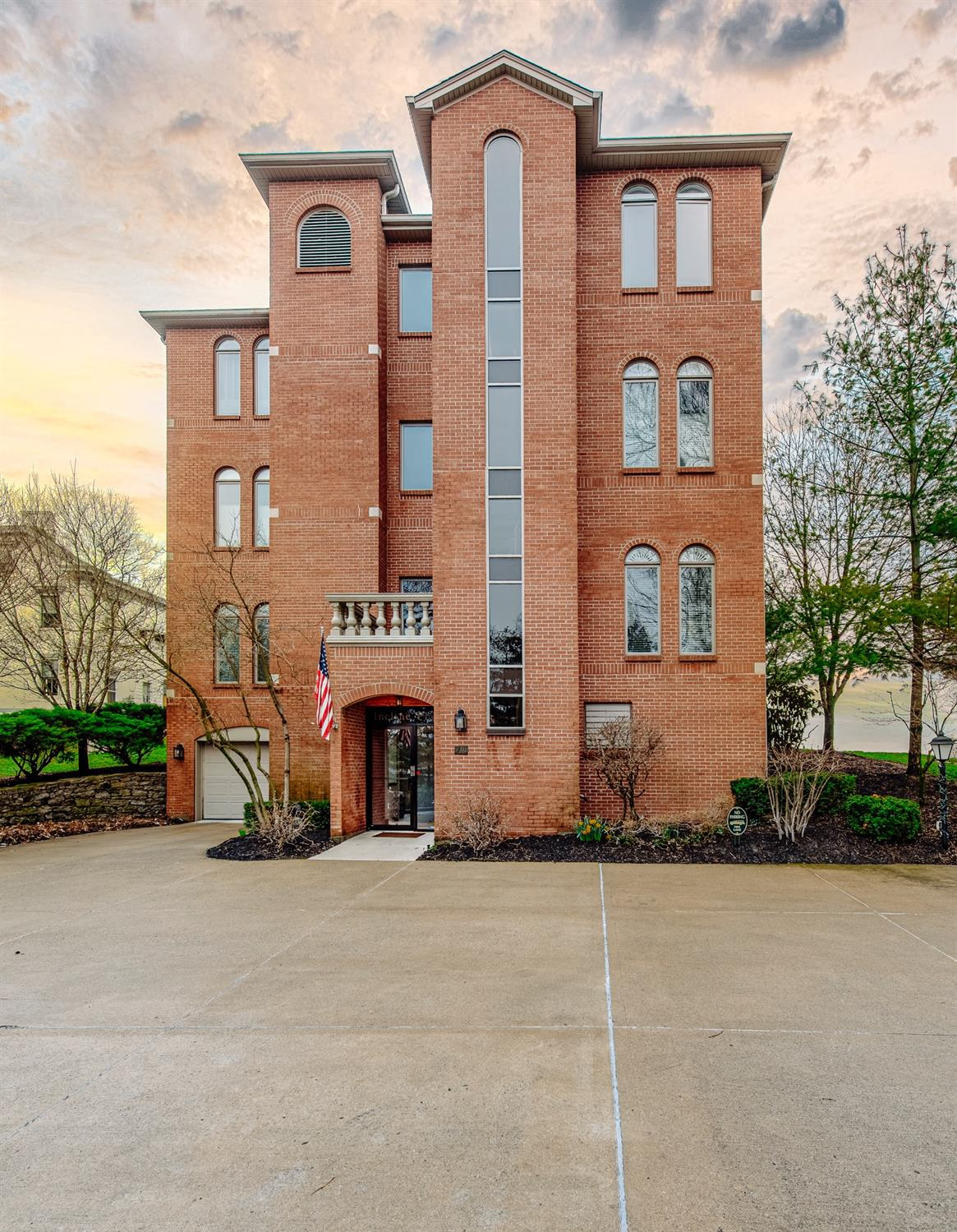 710 Mt Hope Ave #2 Price Hill, OH