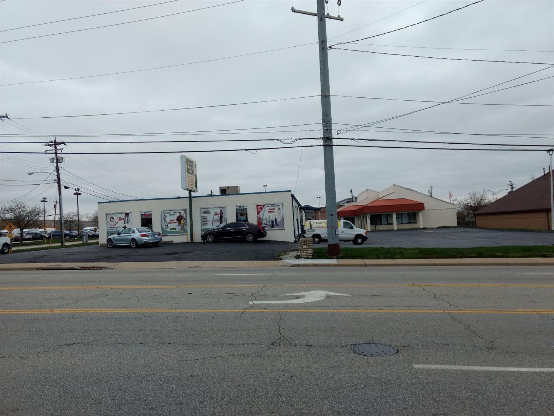 1642 1644 E Kemper Rd Sharonville, OH