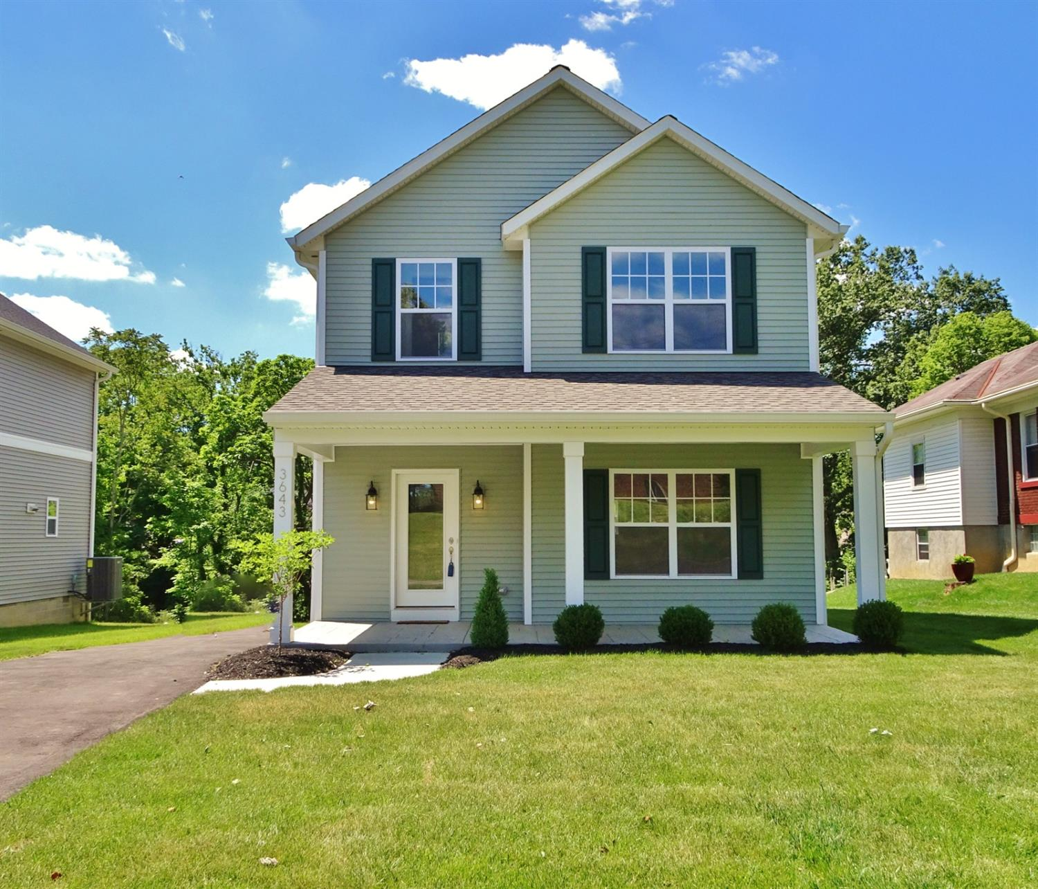 3643 Woodford Rd Kennedy Hts., OH