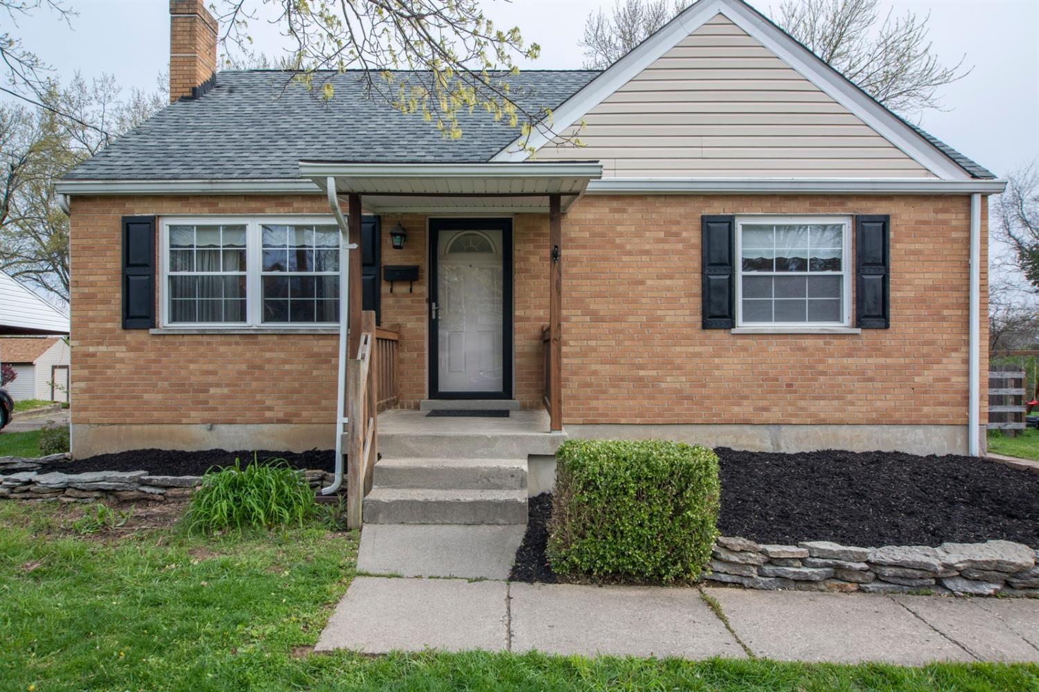 3310 Harry Lee Ln Groesbeck, OH