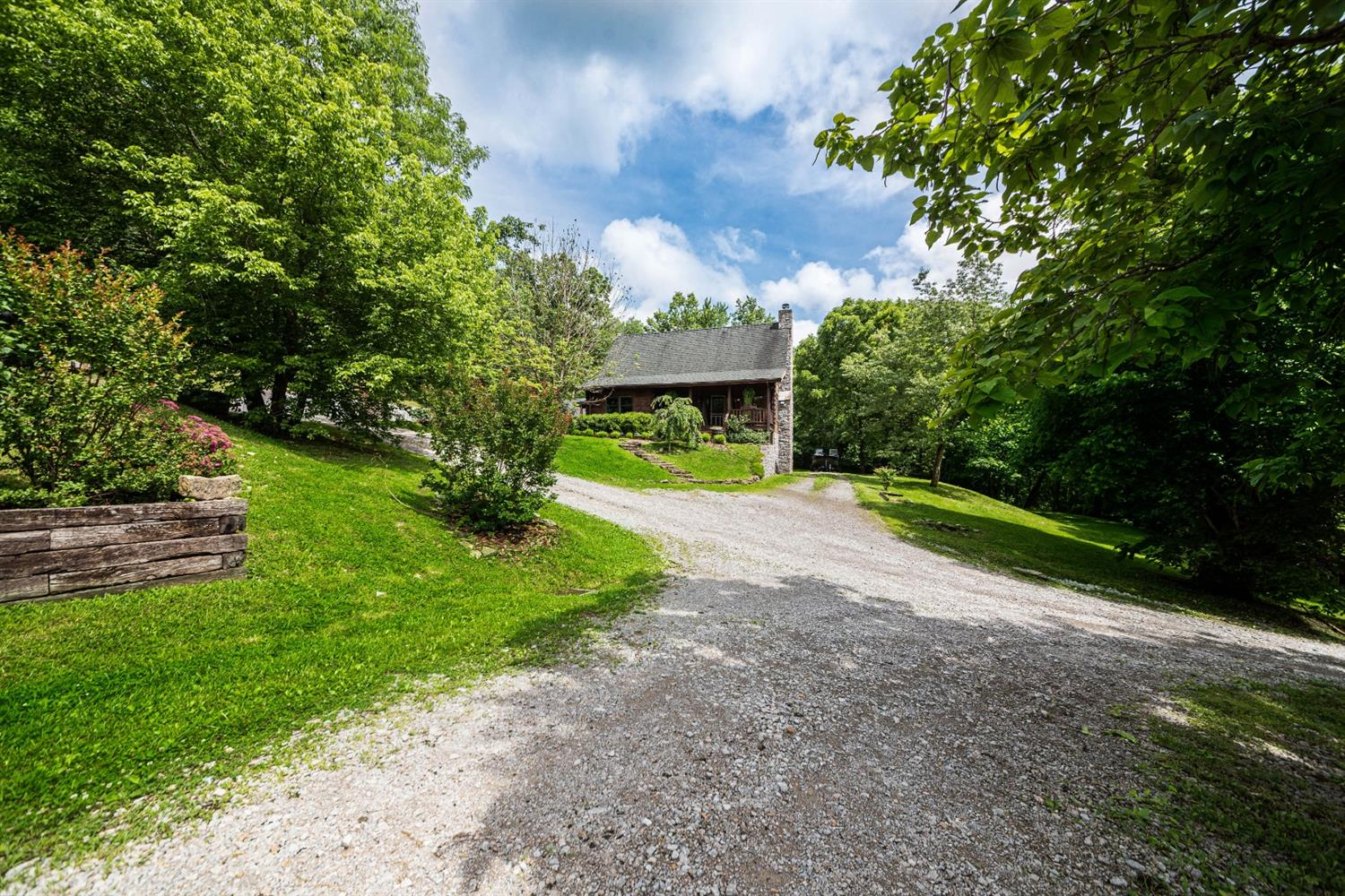 Photo 3 for 410 Circle Dr Union Twp. (Brown), OH 45167