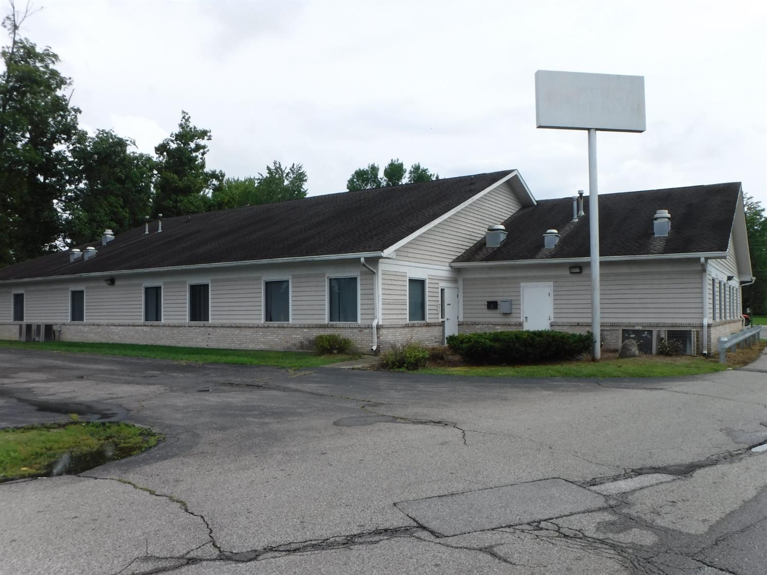Photo 2 for 3088 Angel Drive Bethel, OH 45106