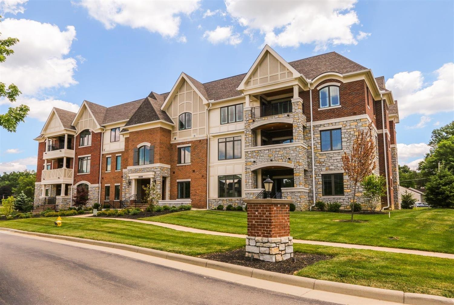 Photo 2 for 9506 Park Manor Blvd #102 Blue Ash, OH 45242