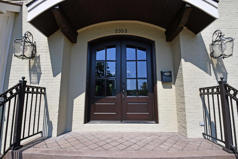 Photo 2 for 2352 Vista Pl Hyde Park, OH 45208