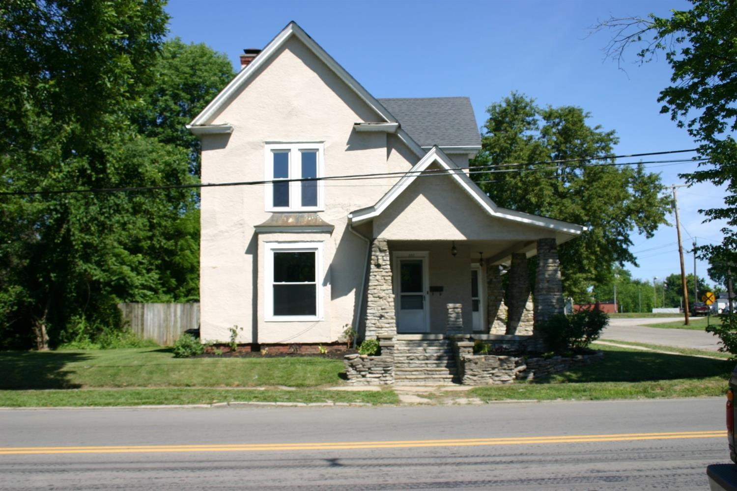 202 Bourbon St Blanchester, OH