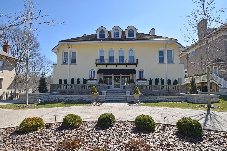 1949 Madison Rd Walnut Hills, OH