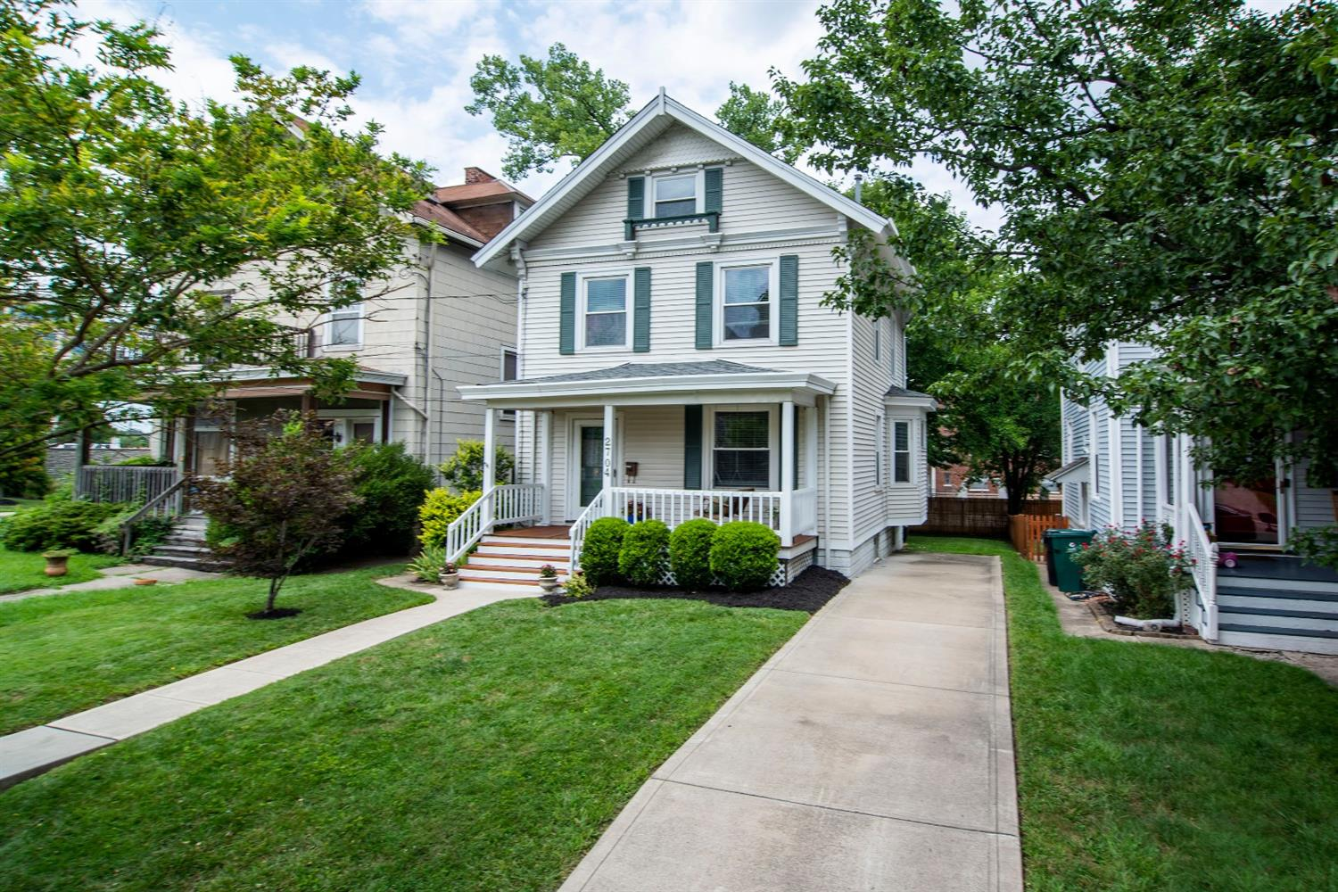 2704 Arbor Ave Oakley, OH