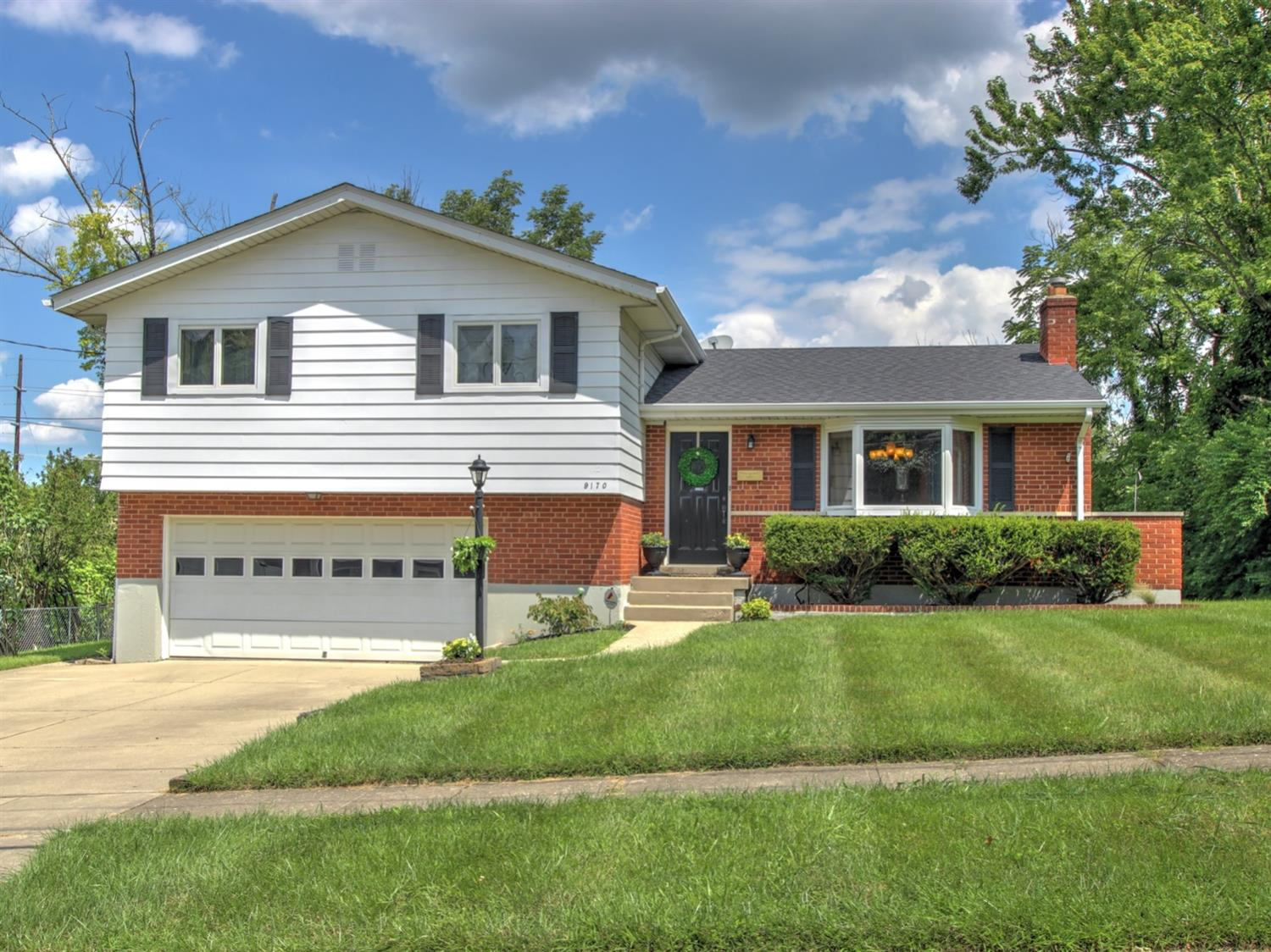 9170 Cherry Blossom Ln Finneytown, OH