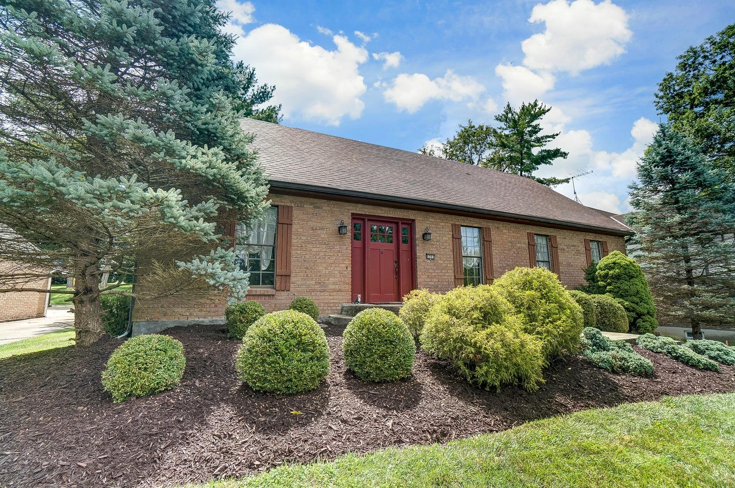 Photo 3 for 6264 Twinwillow Ln White Oak, OH 45247