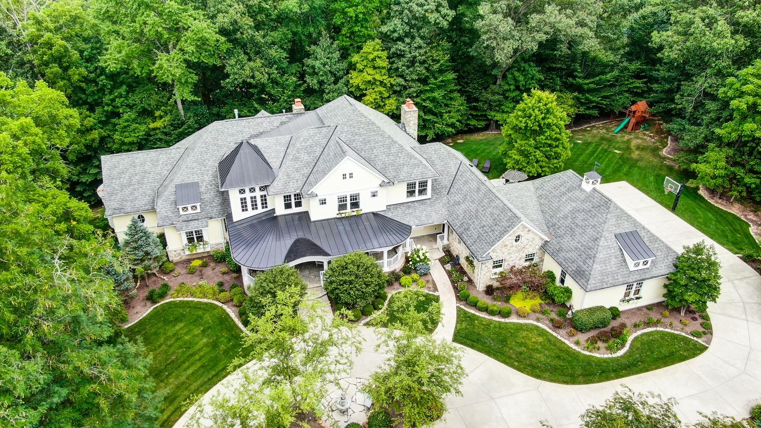 14 Creekside Dr Indian Hill, OH