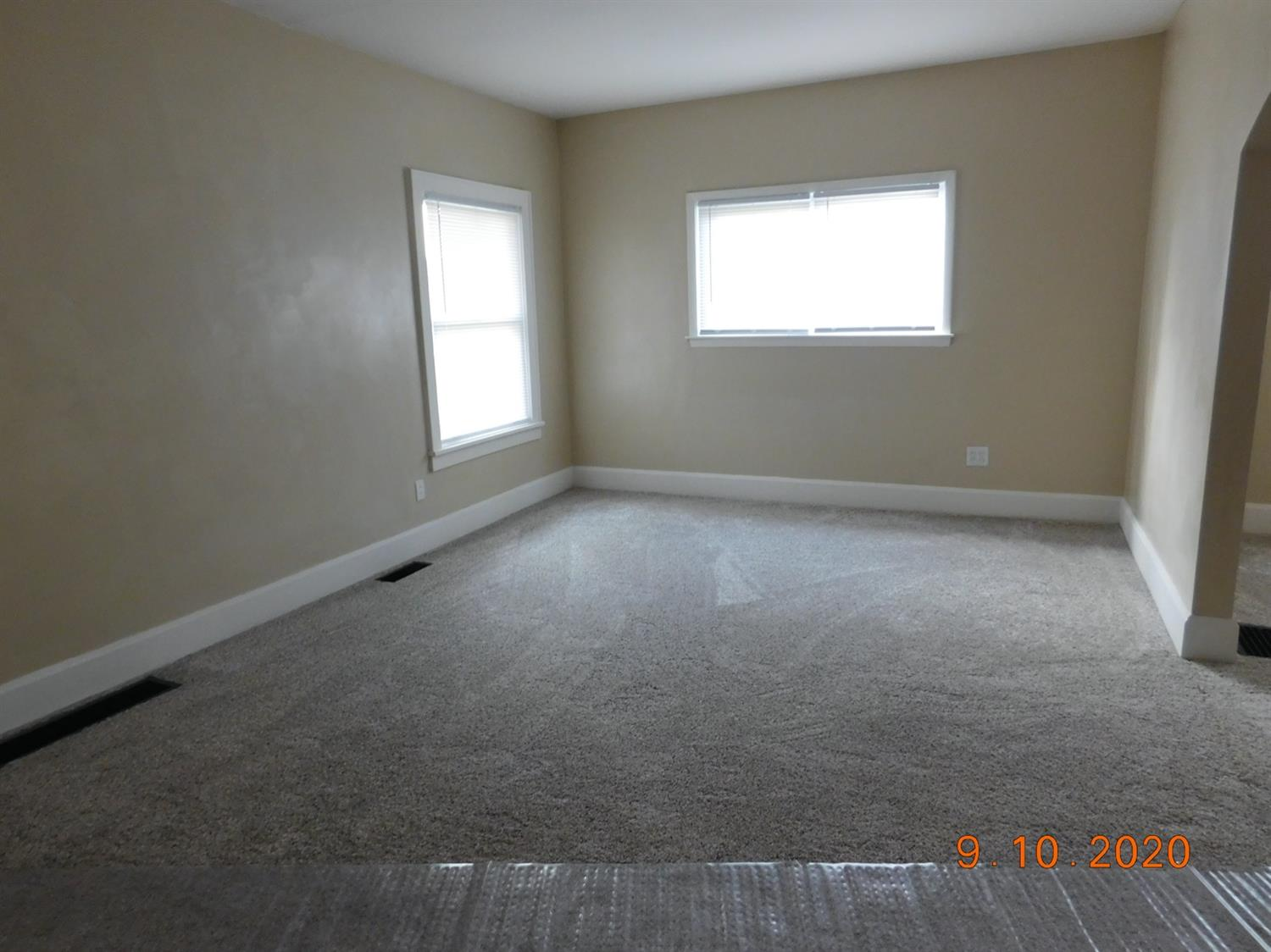 Photo 3 for 1405 Avalon Dr Middletown North, OH 45042