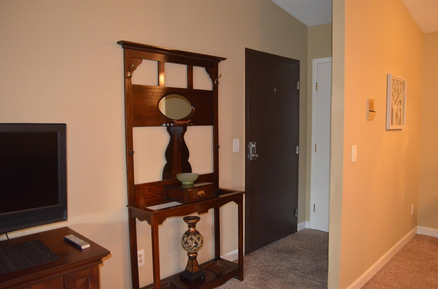 Photo 2 for 7240 Creekview Dr #12 Colerain Twp.West, OH 45247