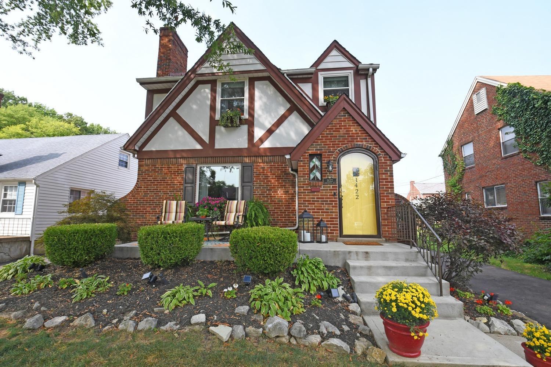 1422 Robinwood Ave Roselawn, OH