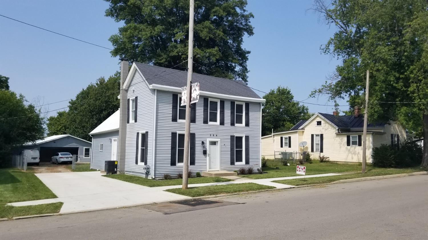 206 W Center St Blanchester, OH