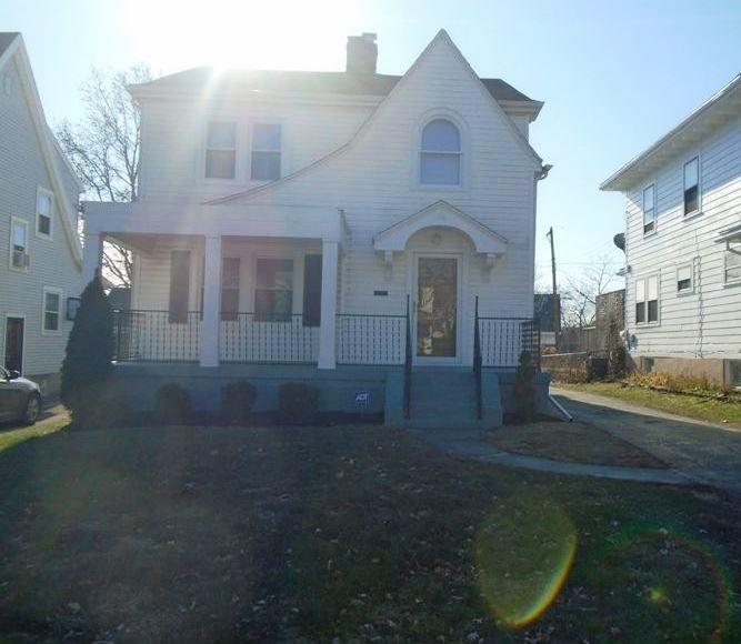 56 E Beechwood Ave