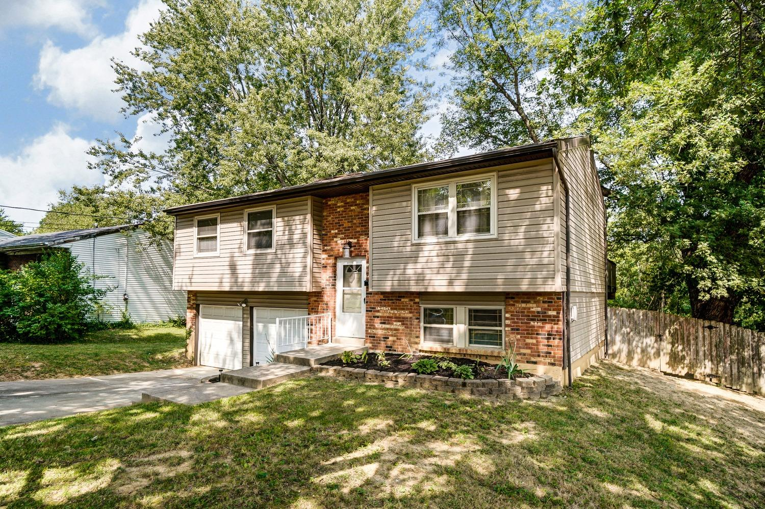 Photo 2 for 2322 Magdalena Dr Springfield Twp., OH 45231