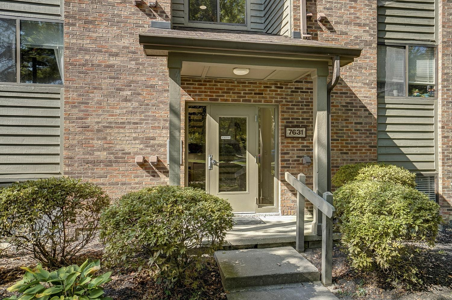 7631 Montgomery Rd #8 Kenwood, OH