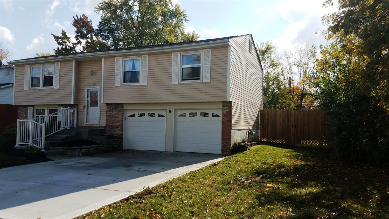 11393 Kary Ln Forest Park, OH