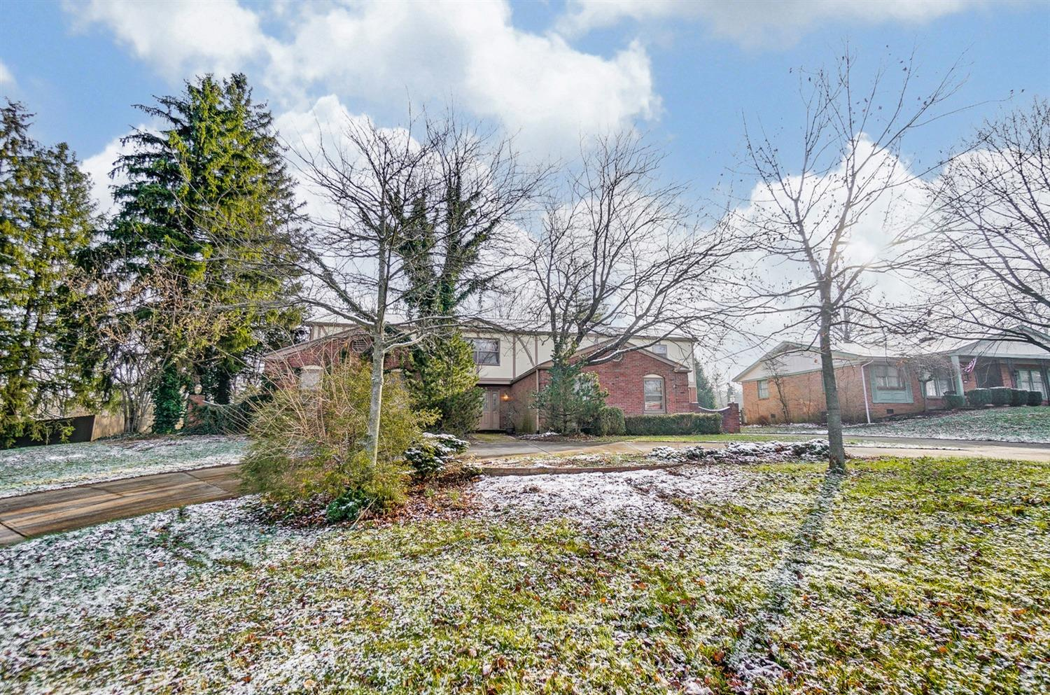 Photo 2 for 2105 Tullis Drive Middletown North, OH 45042