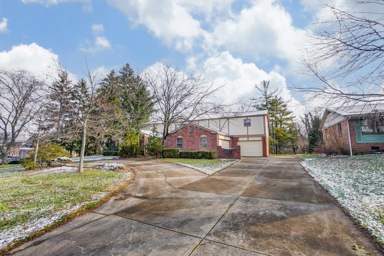 Photo 3 for 2105 Tullis Drive Middletown North, OH 45042