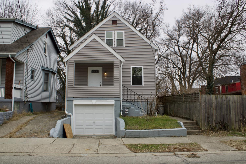 579 Flatt Terrace Spring Grove, OH